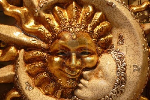 sun-and-moon-mask-from-venice