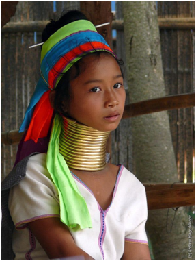 Ragazza Long Neck (Thailandia)